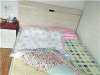床+床頭柜+床墊,只需要200元拿走。