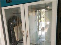 八成新干洗設備一套,外帶一臺雙缸半自動洗衣機,以及整套齊全的洗滌耗材,2萬元全部一起出售(可議價)。