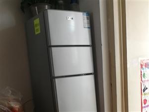 志高冰箱,160升,买的798    618以后718,,用了三个月    地里经常太多菜吃不及,冰...