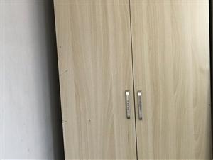 衣柜,买一组送一组