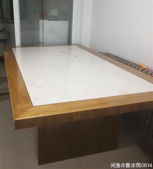 多功能桌子,可当会议桌,2米乘1.2米