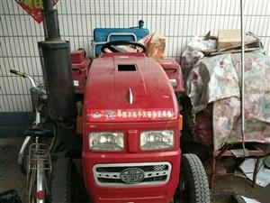 出售八成新,拖拉机,带玉米,大豆,小麦播种机价格优惠,一手车,有意向者电话联系:1517647838...