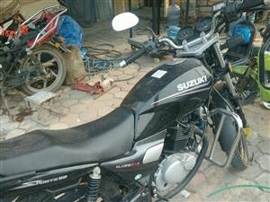 出售铃木钻豹125摩托车,进口F491发动机。车况非常好.怠速稳定.动力十足,有喜欢的朋友可联系