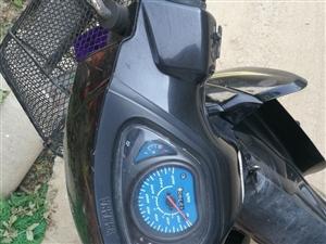 雅馬哈摩托車個人一手車13783334320