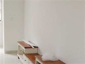 想改变房间格局,现将电视柜转让,99新,雅仕达纯实木。价格优惠,有意者联系我哦。