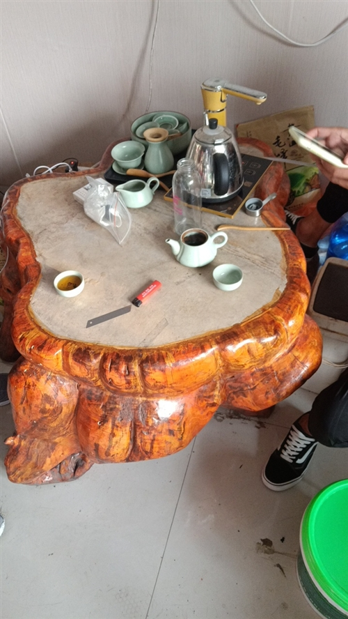 樹根茶桌  配四個樹根凳子