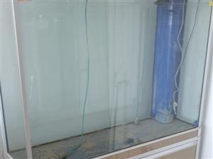 深深牌鱼缸,高150cm,宽120cm,带增氧泵,下循环水,因房子小添置家具转卖