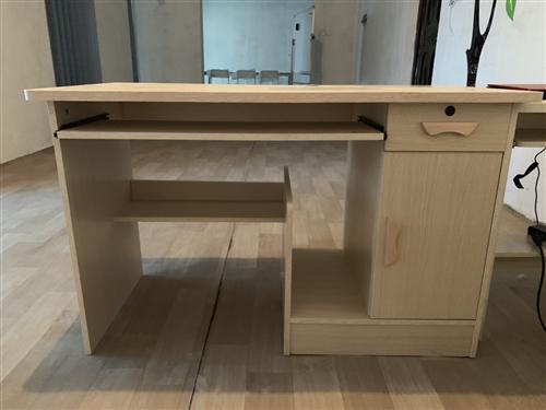 书桌、办公桌、9.9成新
