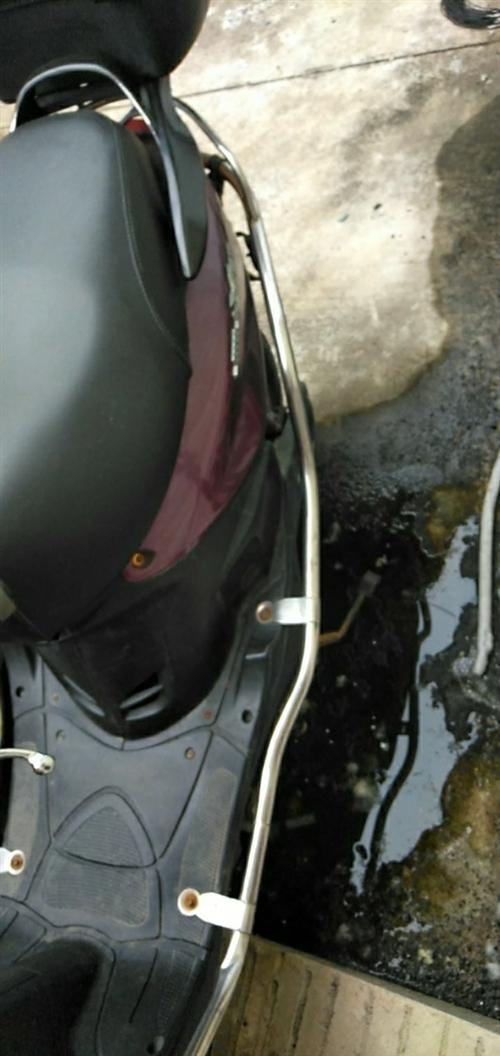 刚换的两个新轮胎,和新电池,不到两天,要的马上联系
