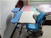 買完沒用幾天,九成新兒童學習桌