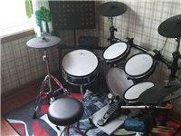 紅魔電鼓9成新 買了2個月 孩子不太喜歡 現在便宜處理了  質量 音質 絕對沒有問題 送全套原裝配件...