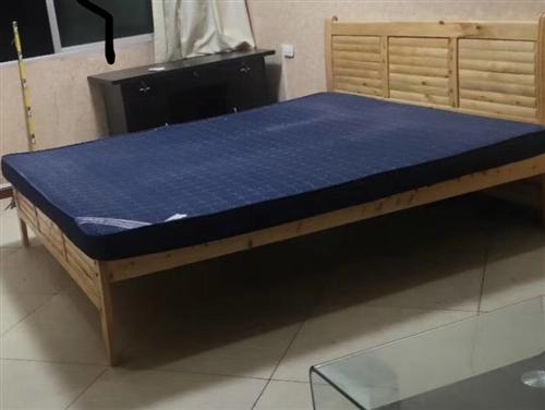 1.8乘2米床架带铺板,不含床垫处理了,床已拆散,地址,体育馆盛黔桥附近,