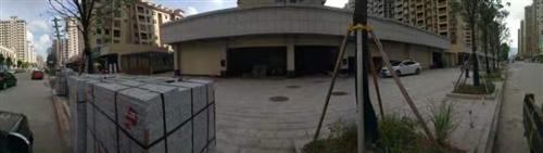 距离寻乌中学,人民医院都只有几百米距离,在国际公馆,九洲国际的中心位置,人流肯定旺。两个店面20米宽...