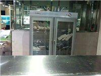 剛買三個月不到的廚柜熱菜爐1.0不銹鋼,長2.3米寬1.2米。原價8000多現在低價轉讓3000元!