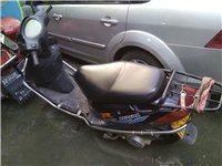 轉讓家用踏板摩托車,省油,帶一鍵啟動,車況很好,代步實用