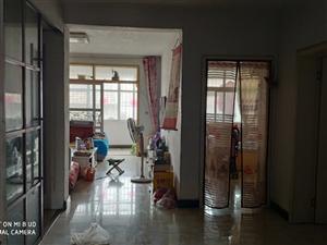 自己住的房屋出售,98平方米!合同房。位置:惠民路柏亿春天1号楼1单元3楼南户,带电梯    家具...