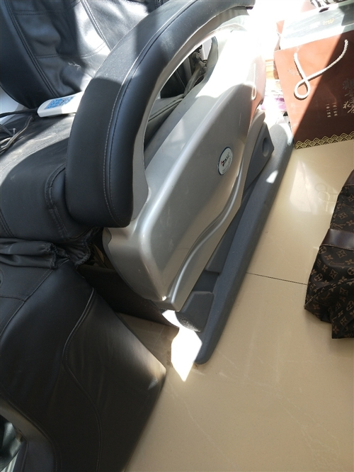 电动按摩椅……您看好、我就满意……价格您说了算……有意者联系我