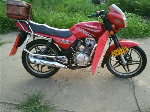 嘉陵鐵悍125跨騎型摩托車,大廠名牌,功率比同類型(車力)大耗油量反而低,提速快,好啟動,也能電啟,...