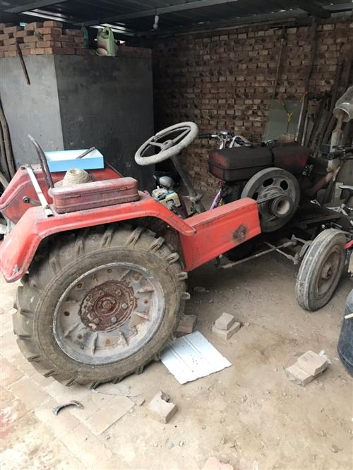 出售拖拉機一臺,江淮機器20馬力,新鄉架,自己一直用的。準備換新車。