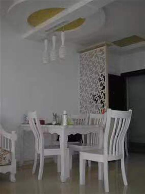 实木餐桌椅一套,8成新,白色家具,百搭,同城交易