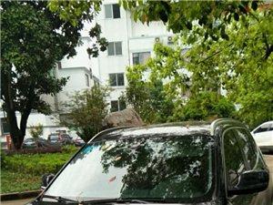 黑色宝马X3,2013款,车主为爱车一族,车子保养很好