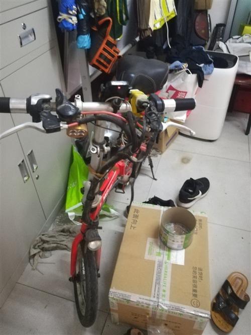 代驾折叠电动车才用三个月左右的,自己增加了一组电瓶,完全靠电瓶可以跑86公里,如果借助助力可以跑12...