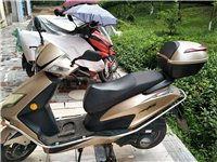 麦科特两轮摩托车一辆,六七成新,买了五年,都没怎么开,绝大多数时间都是放起的,只开了六千多公里,半价...