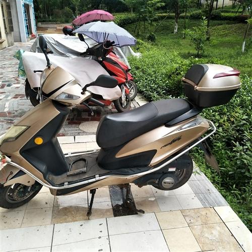 麥科特兩輪摩托車一輛,六七成新,買了五年,都沒怎么開,絕大多數時間都是放起的,只開了六千多公里,半價...