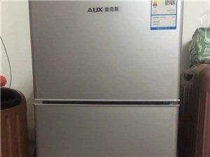 奥克斯拉丝银冰箱112L 去年6月份买的,在这边上班,租房子买的,现要离开澳门威尼斯人赌博官网,低价出售,9成新,仅...