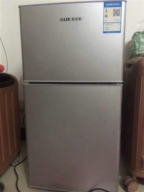 奥克斯拉丝银冰箱112L 去年6月份买的,在这边上班,租房子买的,现要离开金寨,低价出售,9成新,仅...