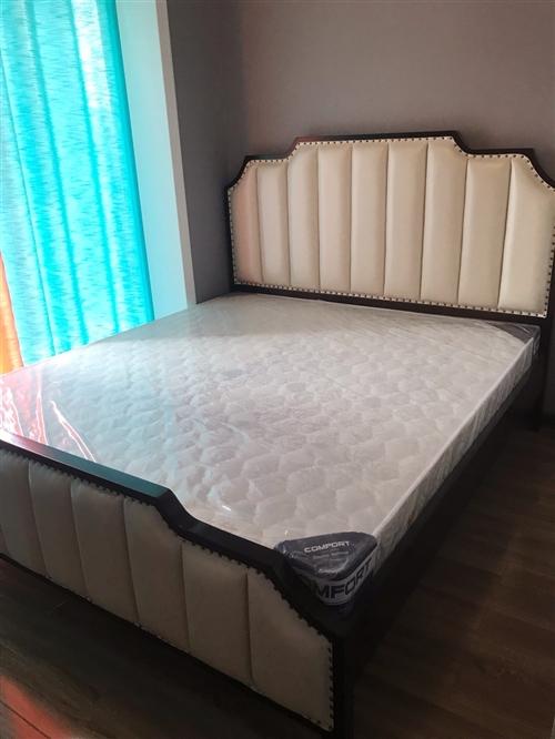 新居所购买的全实木大床1.8米,和床垫,未拆封,原价5030元,现在4500转手一张,买了两张,自己...