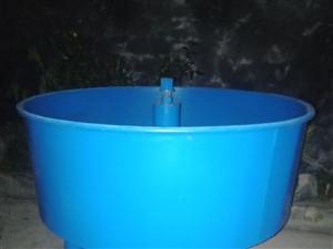 因为买回来没派上用场,全新圆盘搅拌机出售,有用的着的可电话联糸。15971770866
