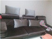 因搬家闲置: 1.沙发1400元(双人沙发+贵妃床沙发,外裹订制沙发罩) 2.茶几400元(木制...