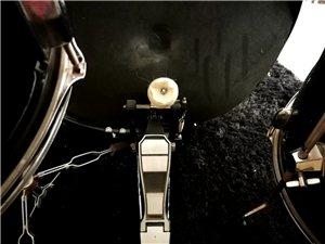 九成新雅玛哈初学练习鼓转让 去年九月份淘宝买的,因为住商品房,有点扰民,平时练得不太多,基本九成新,...