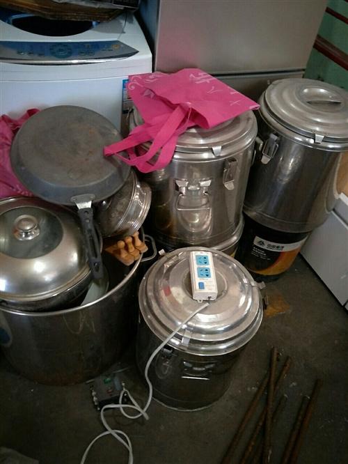 保温桶8个,,九成新,大桶5个,早点用品齐全,交易西山杜儿坪,非诚勿扰