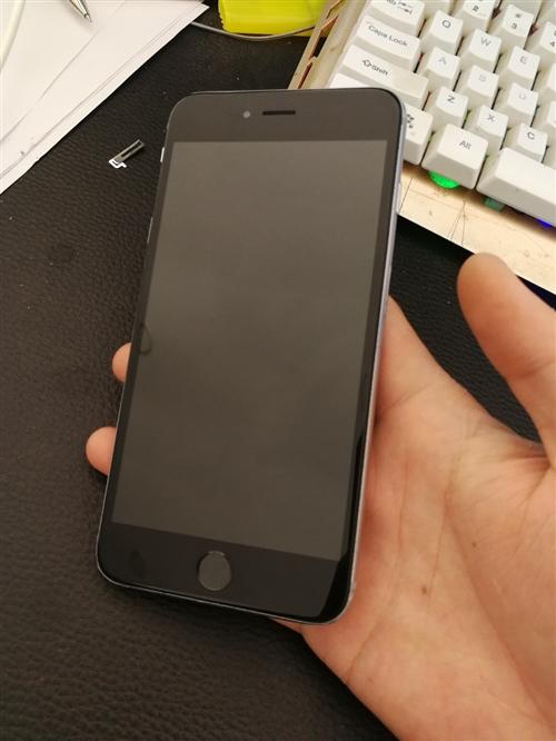 蘋果6sp國行,64g內存,剛換的外屏,后殼再換了跟新的一樣,主板無拆無修,指紋識別不能用了,識貨得...