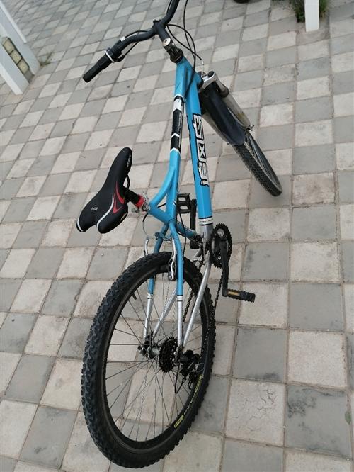 平时自己骑的自行车,8成新,零件各方面都是好的,放心骑,品牌?#20146;?#39118;鸟,想要的联系我电话