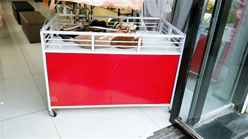 特價甩貨車  長 115  寬70  高80    八成新 沒有開焊的地方  帶門箱體內能裝不少東西...