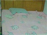 1年的床基本没用,带垫子