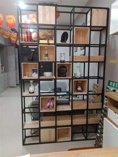 才买几天的铁艺,长1500高2400,金属烤漆,本地都买不到的,在外地1750一个买回来的,由于没地...