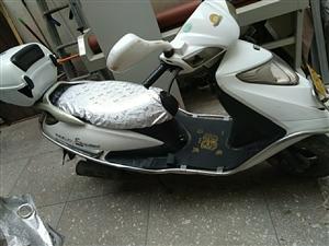银钢,踏板128摩托车,一万三千公里。 无大修,车况良好,天天 不骑,便宜处理了 。需要联系陈先生1...