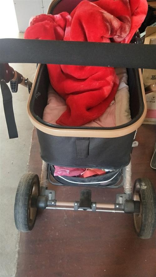 嬰兒車買了,不常在家,一直閑著沒用,現在低價出售!