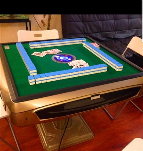 出售麻将桌,5个9成新带麻将带?#39318;?#26700;子,价格便宜,电话17393770500