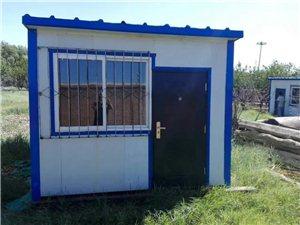 现有两个可吊卸得彩钢房出售。3.20*3.86和3.84*3.84尺寸。价格3500不议价,非诚勿扰...