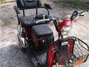 电动三轮车,用了两年,期间用的时间不多,平时不用都放在车棚里闲置,九成新,有发票!