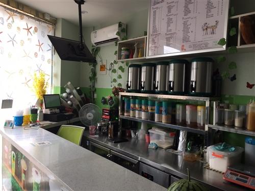 低價低價低價!九成新九成新九成新!奶茶店全套機器設備打包低價轉讓,包括奶茶配方贈送,接手即可營業,因...