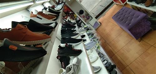 差不多有700双鞋处理 冬天的也是有的,可以零售,和全部处理,