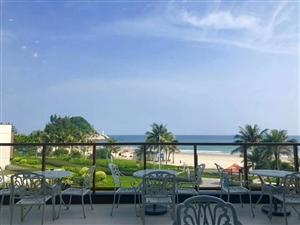 1.景观: 280°全幕- 线海景,开门即是沙滩与一望无际的大海尽收眼底。 2.配套: 5.5公里...