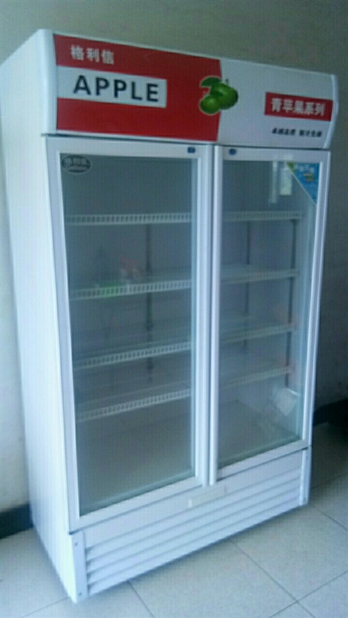出售9成新保險柜1100。 和三個管倆滿一空350。 小吃攤1200電話15668777940