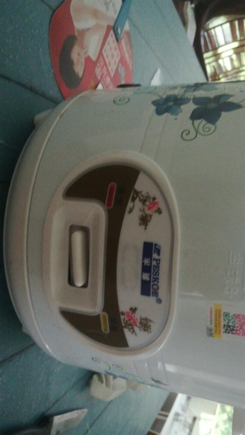 出售二手电饭锅,半球的,三月份买的,需要请联系13568601845
